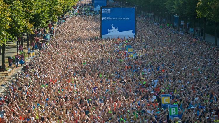 Participants ready to start the Berlin Marathon
